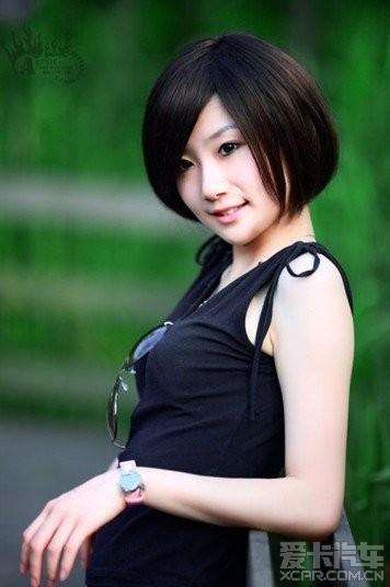 清纯可爱的短发女生_速迈论坛