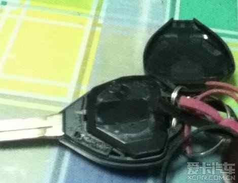卡罗拉遥控钥匙电池更换高清图片