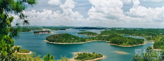 南国星岛湖南国星岛湖旅游区位于合浦县西北部,距县城23公里,距北海