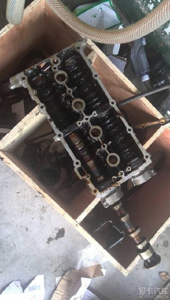 导致发动机大量油泥,最后气门卡死,最终气门室盖与凸轮轴都拉坏.