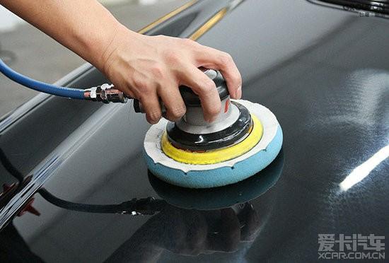你知道汽车打蜡的正确步骤吗