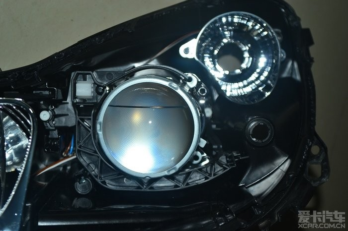 透镜大灯内部结构
