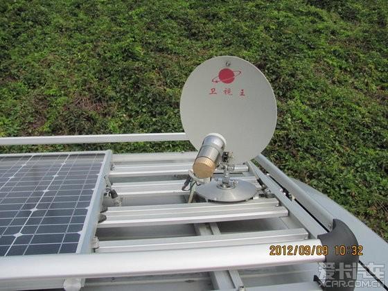 顶棚行李架 .太阳能发电板.卫星电视接收小锅盖