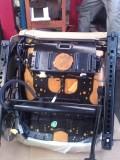气囊灯报警,是什么问题?199解决,更换侧气囊模块。