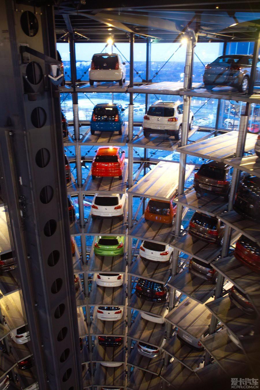狼堡/德国大众汽车公司/总部所在地/停车楼