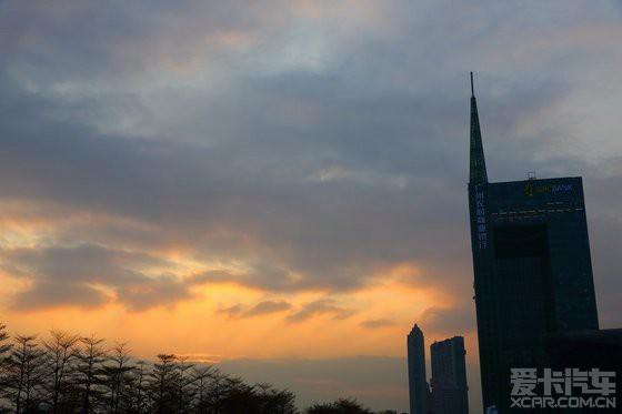 广州花城广场——西塔与小蛮腰