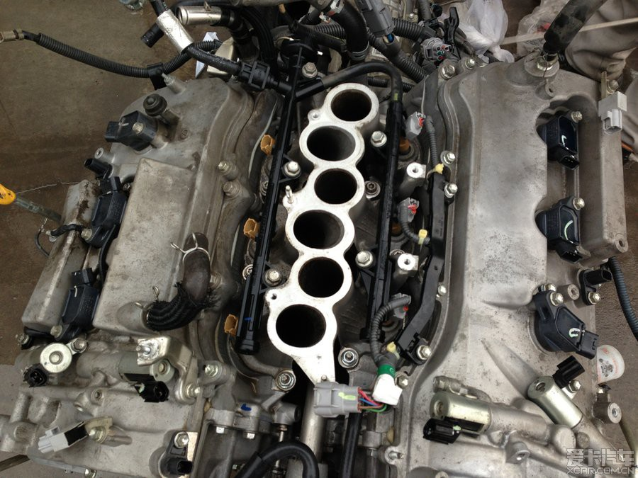 锐志 做全车隔音,换气门室垫 清洗 发动机 喷油嘴高清图片