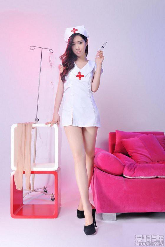 美辰 护士装秀靓