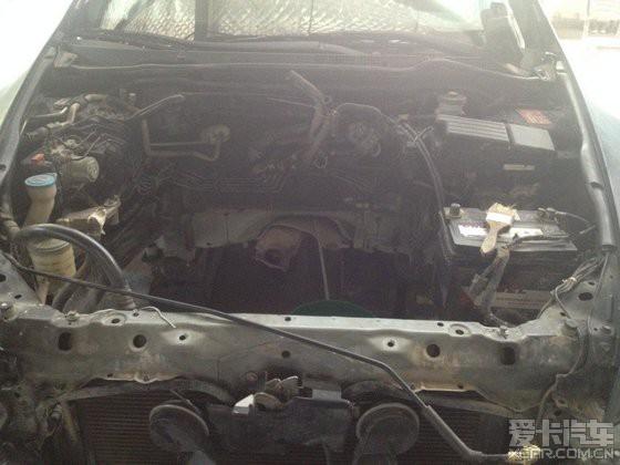 4轿车,经车主反映车子烧机油还加速无力,因为要解决烧机油的问题所以