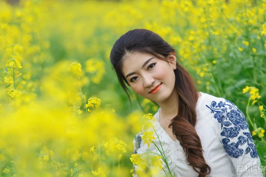 油菜花美女美女的巴东县图片