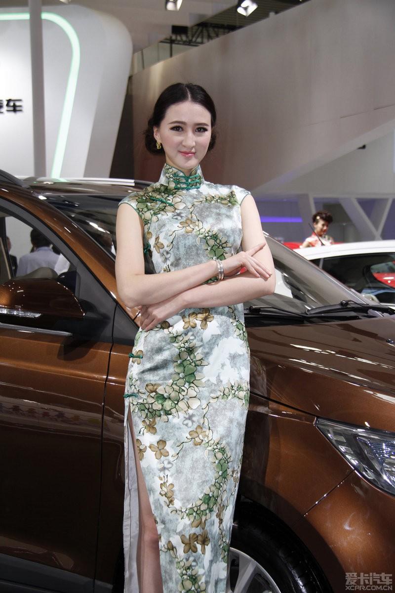 旗袍美人前凸后翘 中国风席卷北京车展