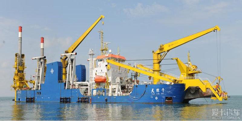 中国在南海赤瓜礁填海造地