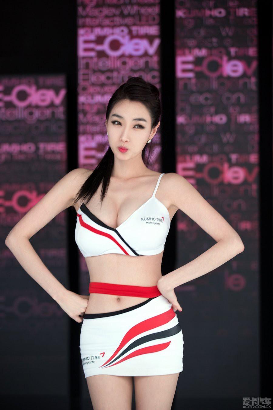熟女乱图伊人_> 【性感伊人】2014北京车展 养眼车模