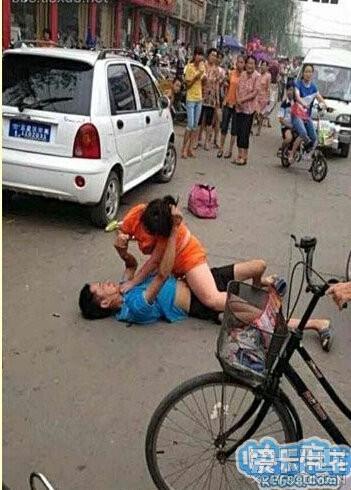 一个男人与一个女人的街头较量_深圳汽车论坛
