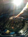 清洗发动机舱表面