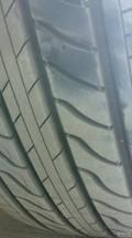 轮胎被扎……