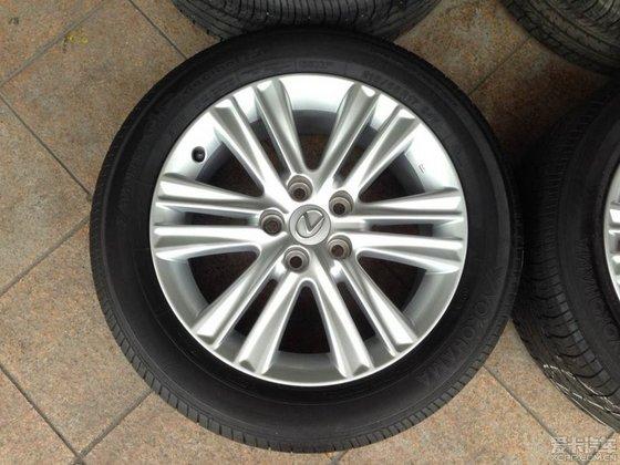出售雷克萨斯17寸原厂.   连四条优科豪马215/55/17轮胎,db e70花纹.