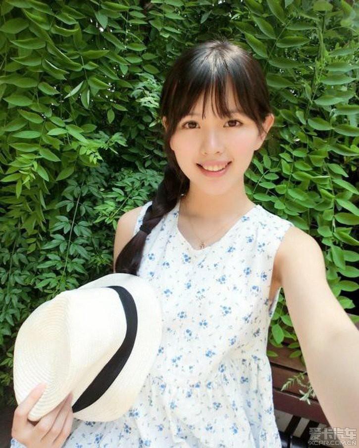 """> 南昌大学清纯校花走红 网友赞""""甜美精灵"""""""