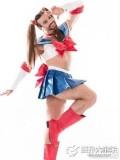 穿女装玩摔跤