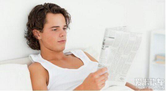 男人会长白头发 真的是白发拔一根长十根?