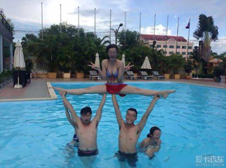泳池男生背影头像