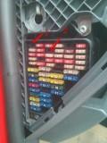 新车记录仪接保险盒作业。探索保险盒接口