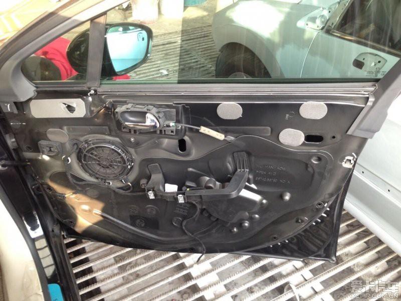 > 标致508车门内衬板拆卸步骤!