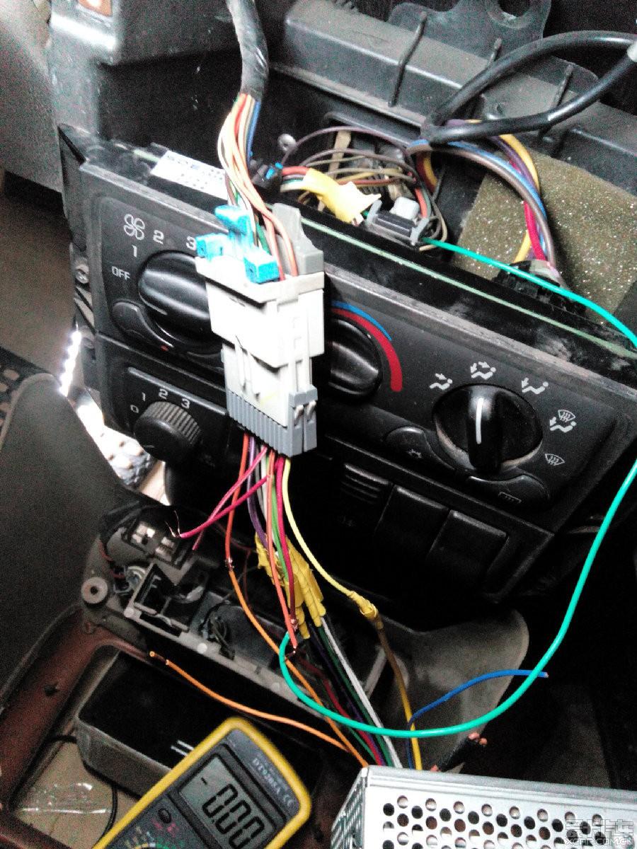 > 老gl8改某原车cd机(加倒车影像加usb接口)求设精