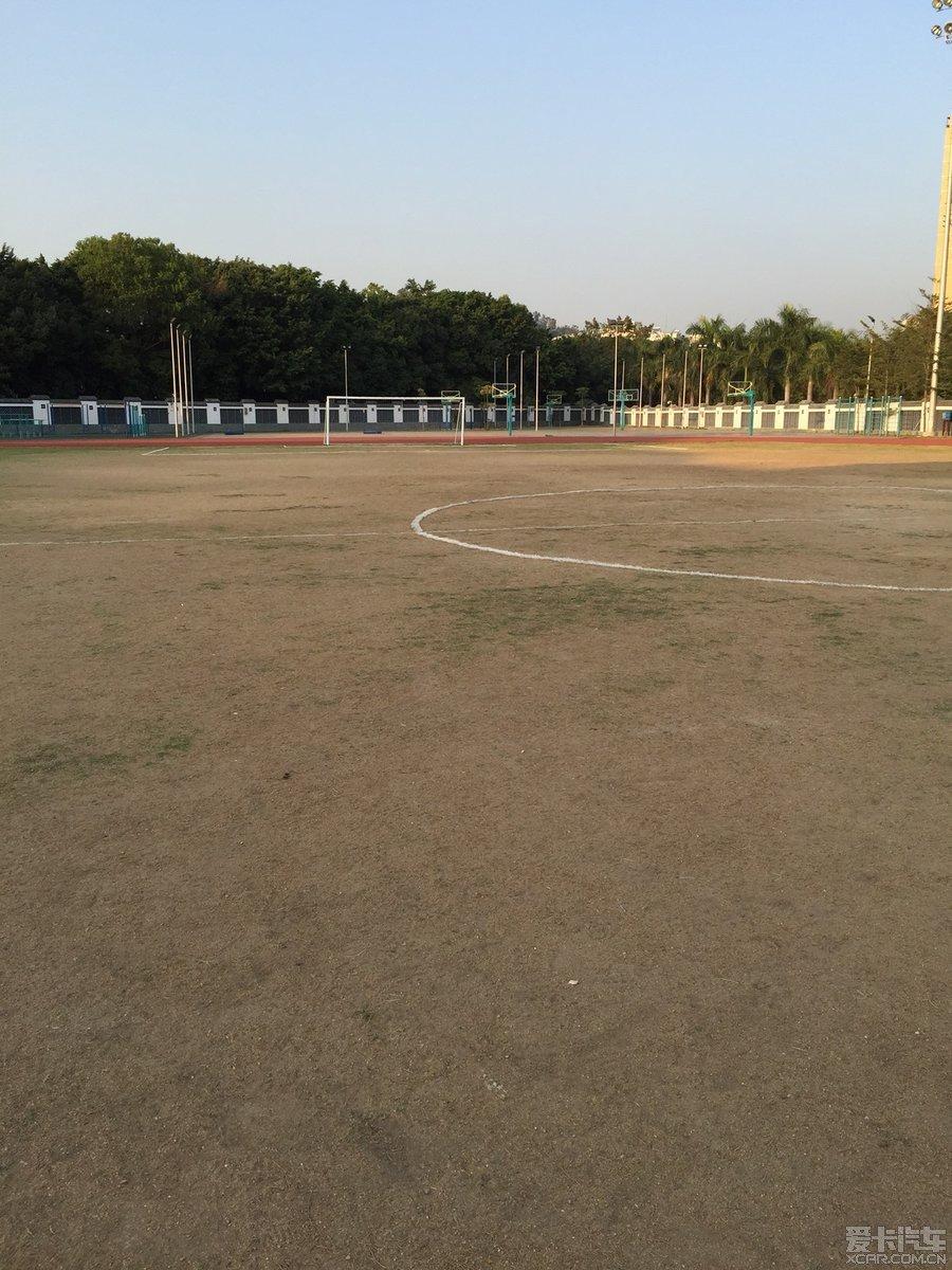 周末开始试试,足球场,有两个7人场。450一场。
