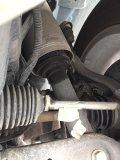 漏油漏油前减震器!气愤!全新车一千多公里两个前减震都漏油