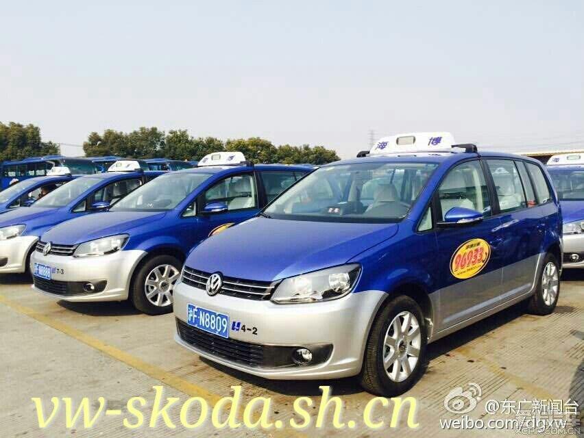 上海新途安 出租车 上路 高清图片