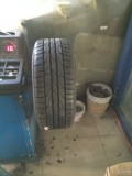 起亚K5更换18寸轮胎和轮毂