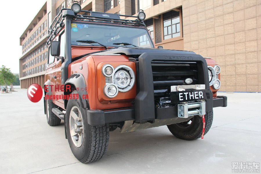 欧盟认证 路虎卫士 led 前大灯 汽车改装 改装高清图片