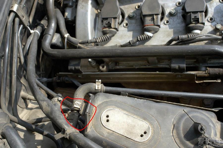 今天查看我车的单向阀,才发现有些阀门被拔掉了.图片