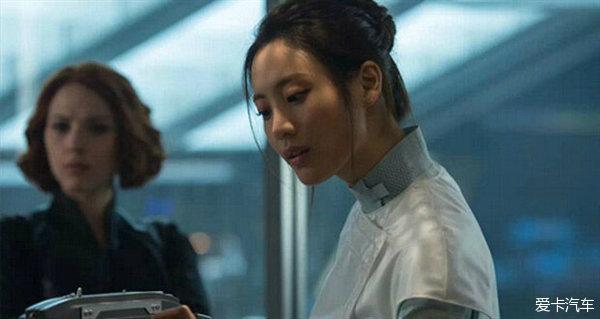赵海伦博士用她的研究为复仇者的战斗提供了技术支持