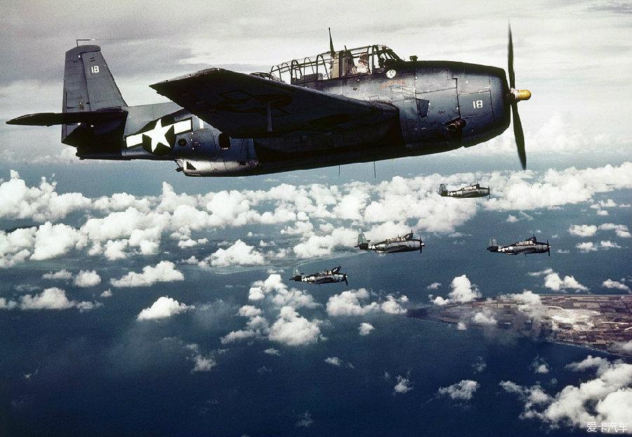 1943年11月,美军航母舰载飞机攻击日军占领的威克岛(wake island)