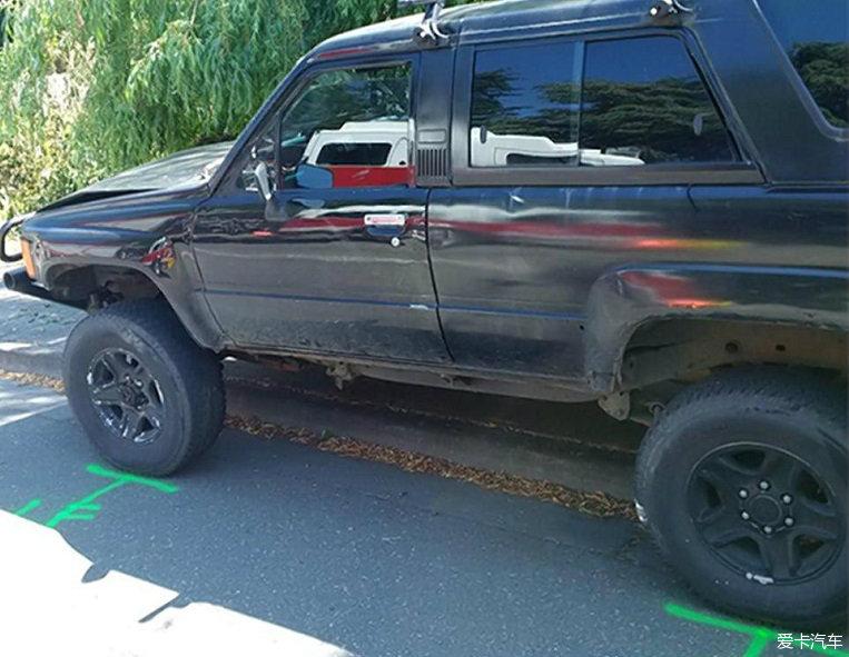 华盛顿州SUV闯入高中生重伤2死2人群v重伤司高中学九龙坡区渝图片