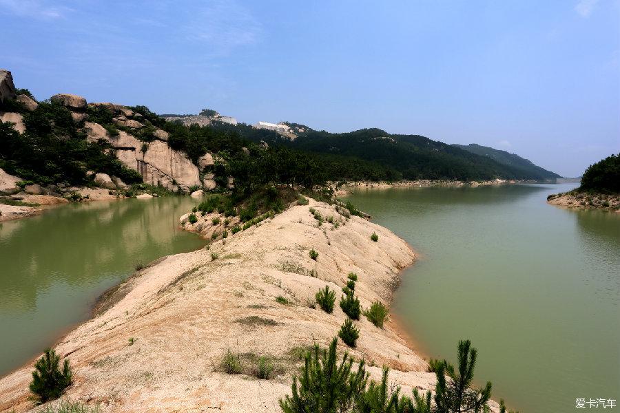 [转发] 地貌奇特 游览湖北铁寨风景区