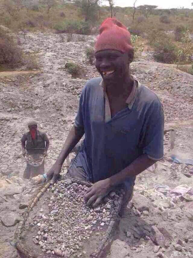 【从非洲男孩到成都男人,咕噜的爱卡川分成长