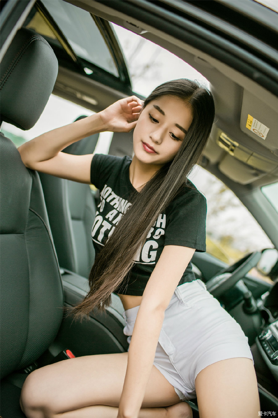 媳妇_> #小短腿和大长腿#2.0豪华版汉兰达提车 媳妇和后备箱的故事