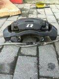 高r原厂刹车,刹车皮还很厚!