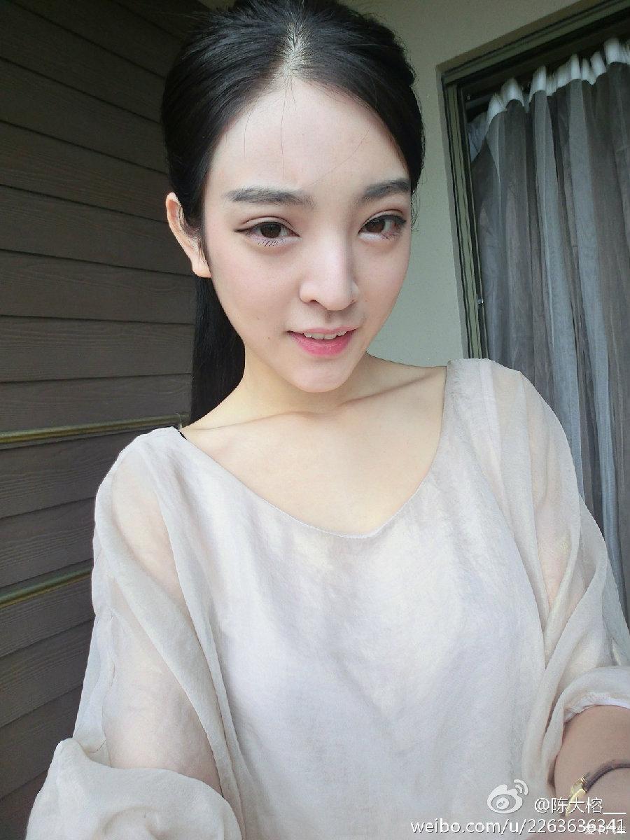 (素颜女神:陈大榕极品内衣写真)19p