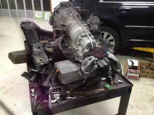 奥迪A8 4.2 V8发动机大修高清图片