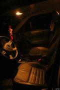 更换车内灯为LED作业