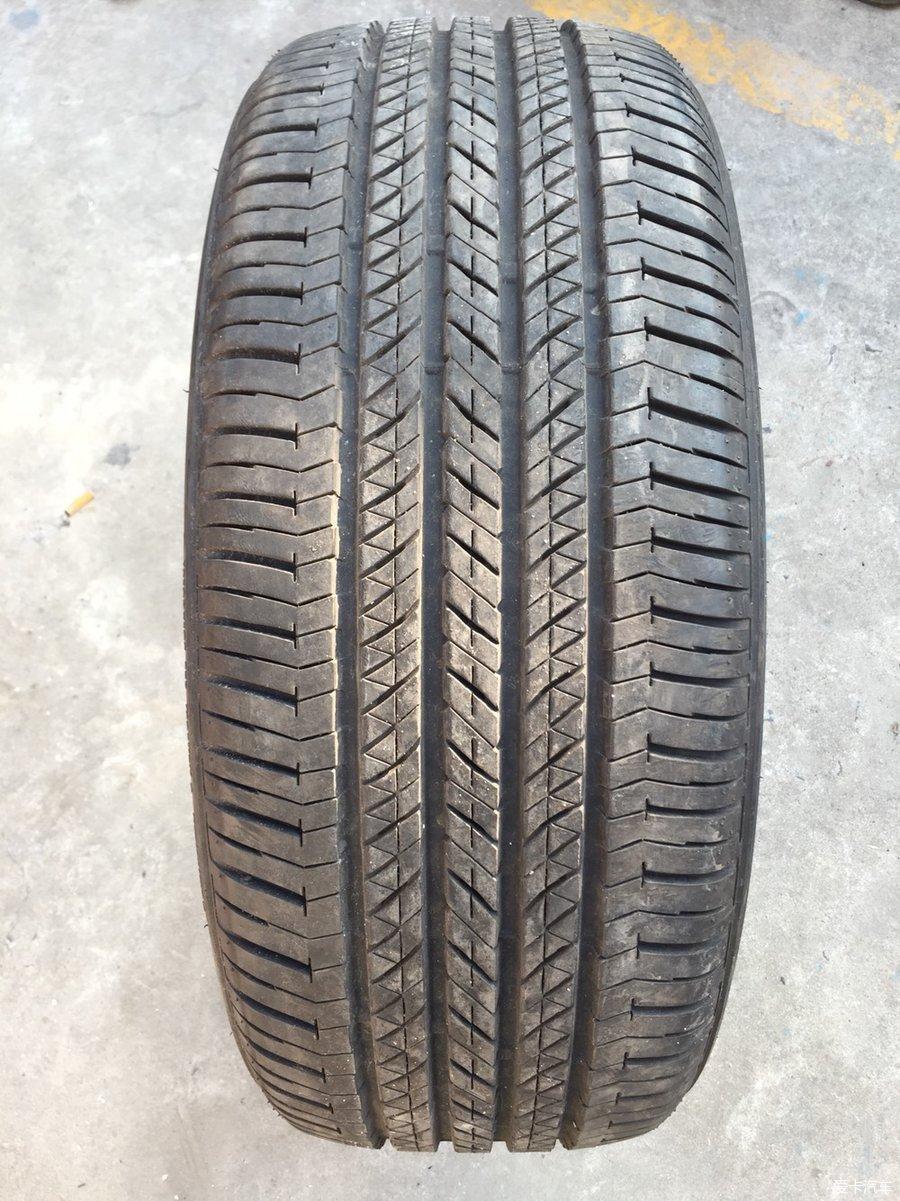 出英菲尼迪FX35原配265/45R21普利司通轮胎a4allroad傲虎图片