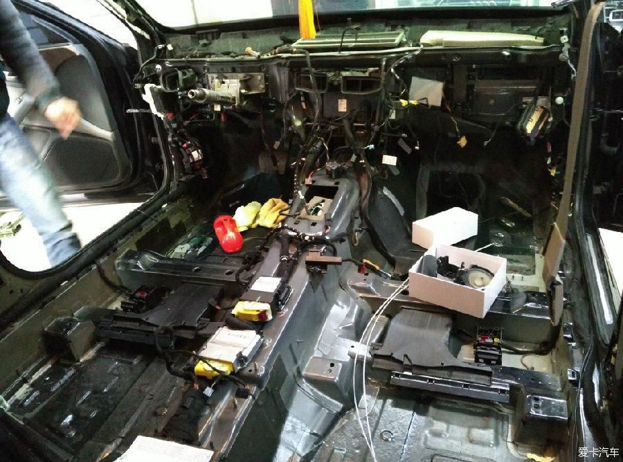 天津首台 奥迪A6L 标准 四驱 空调原厂座椅加热作高清图片