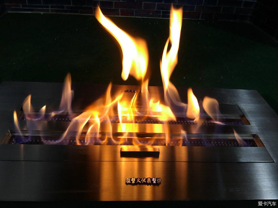 4s店现代欧式仿真电壁炉及酒精真火篝火休闲区景观