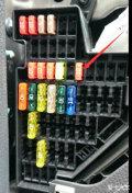 求2011款1.4t速腾安装行车记录仪的保险盒接电方法?