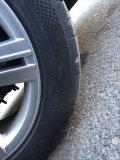 问问朋友们我的凌渡轮胎侧面划伤,要不要换胎?
