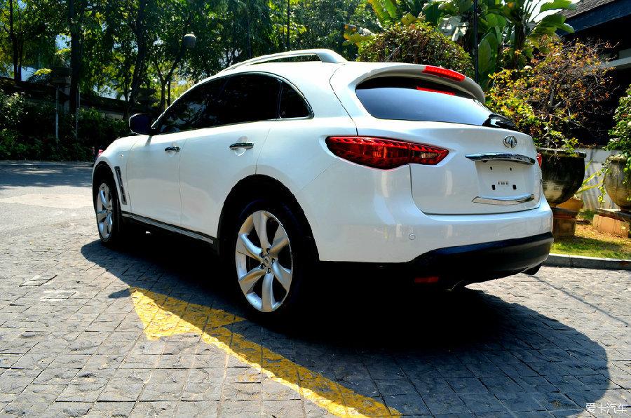 市场白色--v市场英菲尼迪FX35暴力_二手车视频奔驰c级连了蓝牙录怪兽图片